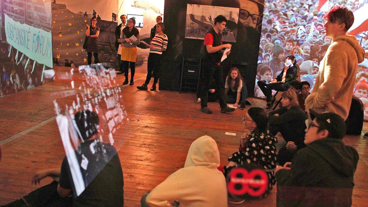 Výstava Komunikace 89 bude na Letenské pláni otevřena až do 30. listopadu.
