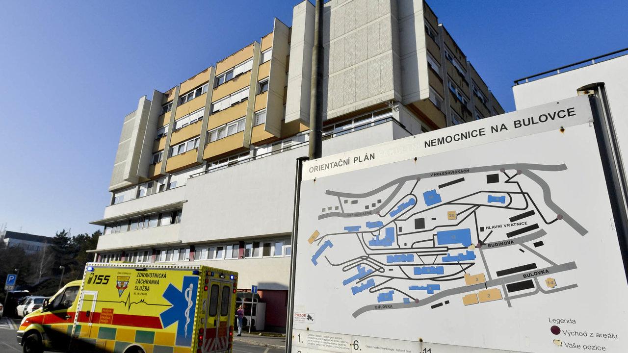 České nemocnice jsou v pohotovosti kvůli koronaviru. Pět Čechů, kteří přicestovali z Číny, podstoupilo testy v pražské Nemocnici Na Bulovce.