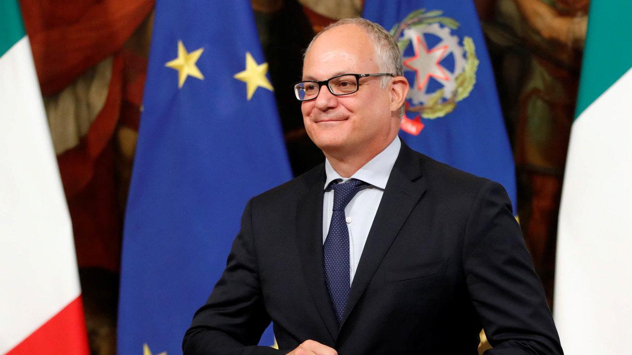 Italský ministr financí Roberto Gualtieri slíbil, že vnejbližších letech začnou dluhy klesat zejména díky přebytku primárního rozpočtu, doněhož se nezapočítávají náklady naobsluhu dluhu.