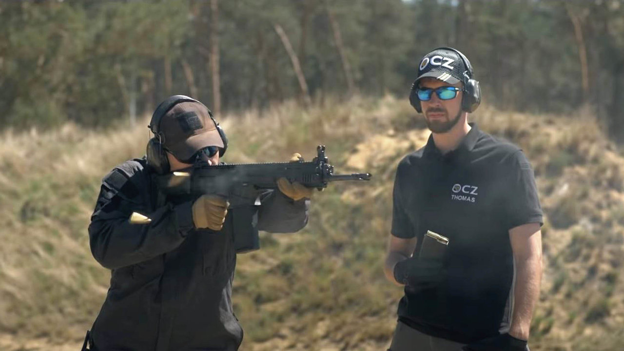 Munice pro breny: Armáda potřebuje střelivo ipro své nové útočné pušky Bren odČeské zbrojovky Uherský Brod.