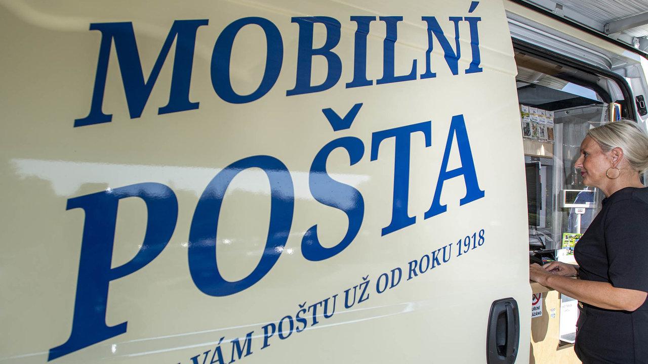 Pojízdná pošta by měla především zajistit služby vmístech, kde je pobočka pošty dočasně uzavřena, například kvůli nákaze covidem-19 nebo rekonstrukci.