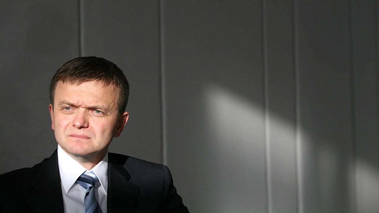 Zadržený šéf. Spolumajitel adosavadní šéf skupiny Penta Jaroslav Haščák patří mezi nejvýznamnější podnikatele naSlovensku. Nyní čelí obvinění zpraní špinavých peněz.