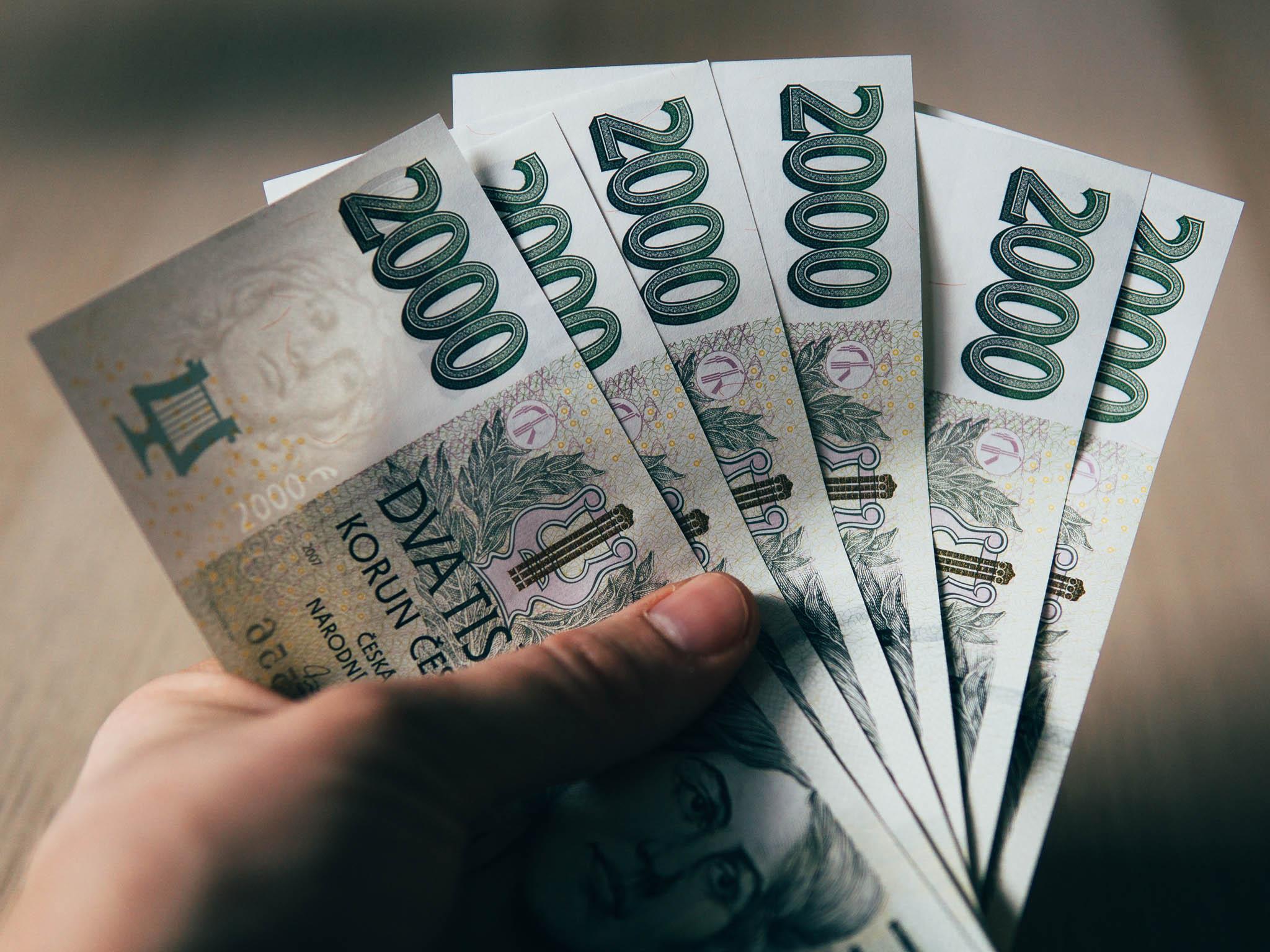 Češi omezili půjčky naspotřební věci