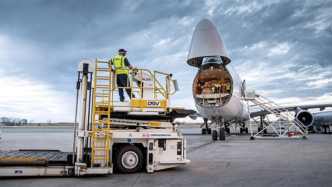 Zejména divize DSV Air & Sea, největší divize DSV Panalpina, bude podstatně posílena akvizicí kupuje Agility Global Integrated Logistics.
