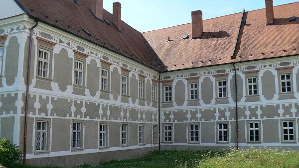 Rekonstruovan� Piaristick� kl�ter v P��bo�e se ve�ejnosti otev�e v z���.