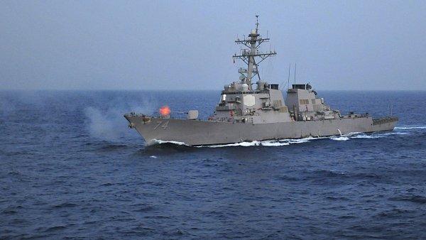 Americký torpédoborec se srazil s obchodní lodí. - Ilustrační foto