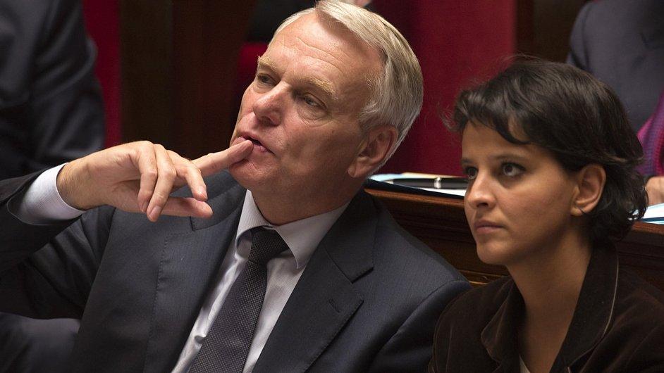 Premiér Jean-Marc Ayrault a ministryně pro ženská práva Najat Vallaud-Belkacem