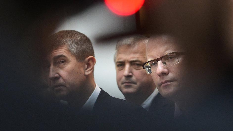 Předseda ANO Andrej Babiš a předseda ČSSD Bohuslav Sobotka