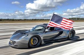 Americký vůz překonal nejrychlejší auto světa. Přesto rekord zůstane Bugatti