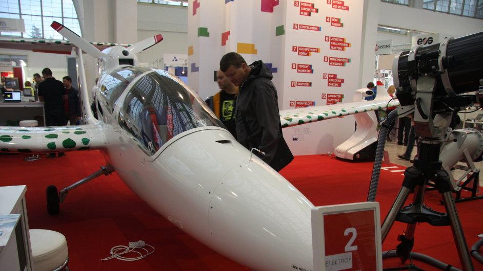 Letadlo na elektrický pohon zkonstruované týmem VUT