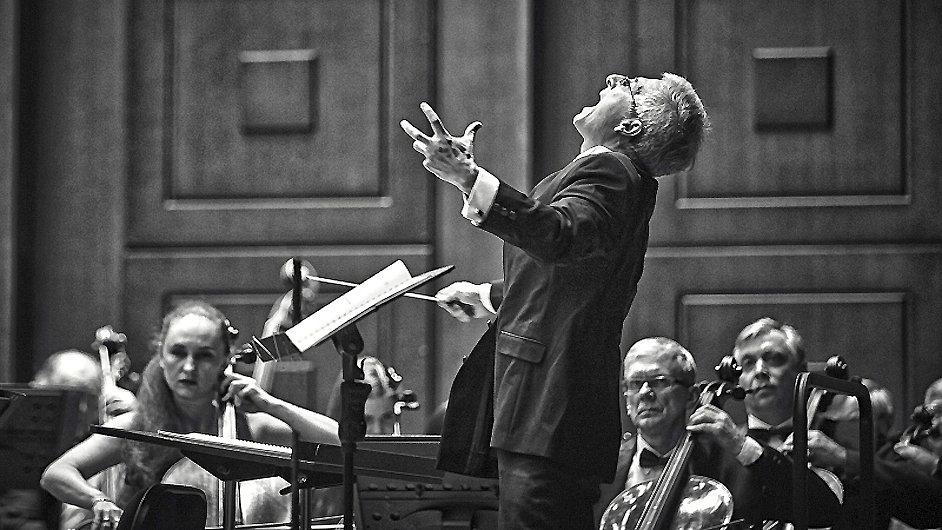 Rezidenčním umělcem Filharmonie Brno pro tuto sezonu je Benjamin Jusupov.