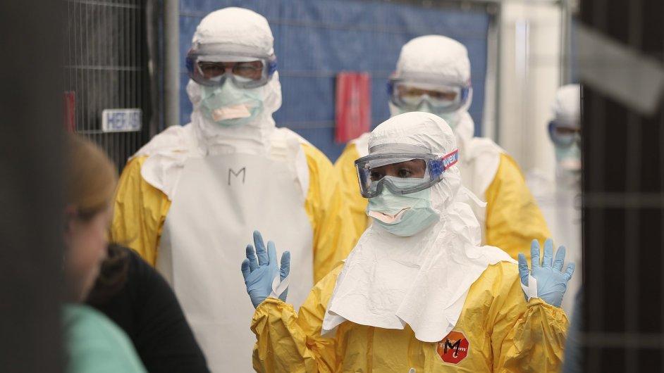 Boj s ebolou vyžaduje přísná zdravotnická opatření. Ilustrační foto