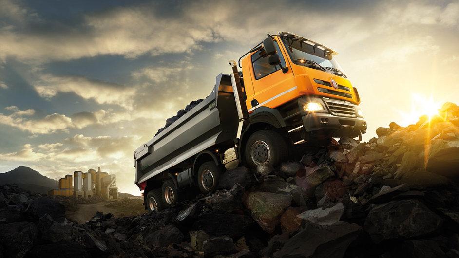 Především stavebníkům a těžařům nabízí nyní kopřivnická automobilka modelovou řadu Tatra Phoenix (na snímku). Pro armádní účely jsou určeny modely T 810 a T 815-7.