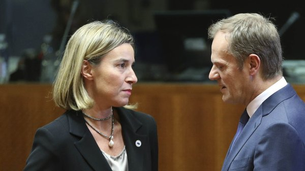 Federica Mogheriniová a Donald Tusk.