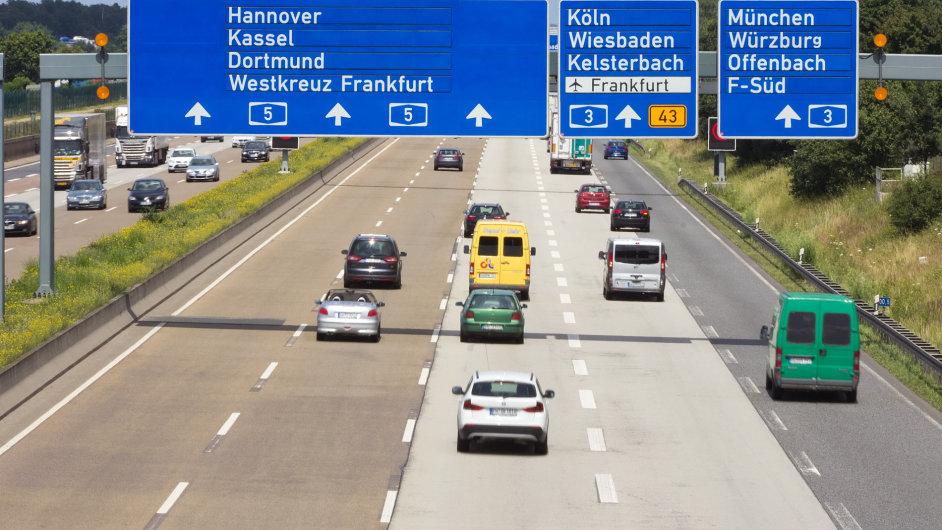 Německo snížilo laťku mýtného, usiluje o jeho zavedení pro osobní auta - Ilustrační foto.