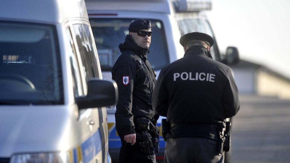 Policie ČR při zásahu - Ilustrační foto