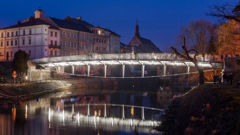 Titul Stavba roku 2015 získal Komenského most v Jaroměři nebo rozhledna d00ff2ba43