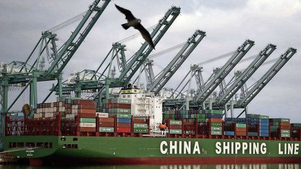 Podle Washingtonu by udělení statusu mohlo vést k zaplavení amerického i evropského trhu neférově laciným čínským zbožím.