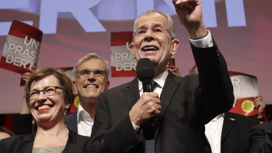 Novým prezidentem Rakouska se stane Van der Bellen.