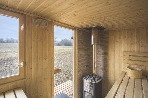 Relaxace po finsku na břehu Labe. Dvě kamarádky otevřely venkovní saunu s kulturní osvěžovnou