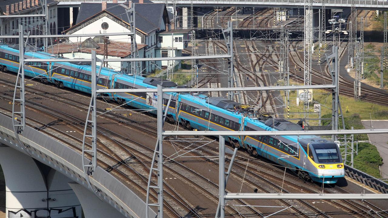 Soud v rámci sporu o elektřinu pro českou železnici dal naději Správě železniční a dopravní cesty - Ilustrační foto.