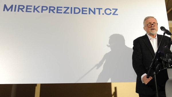 Veřejnost je vzrušená představou, že Miloše Zemana by možná mohl porazit Topolánek.
