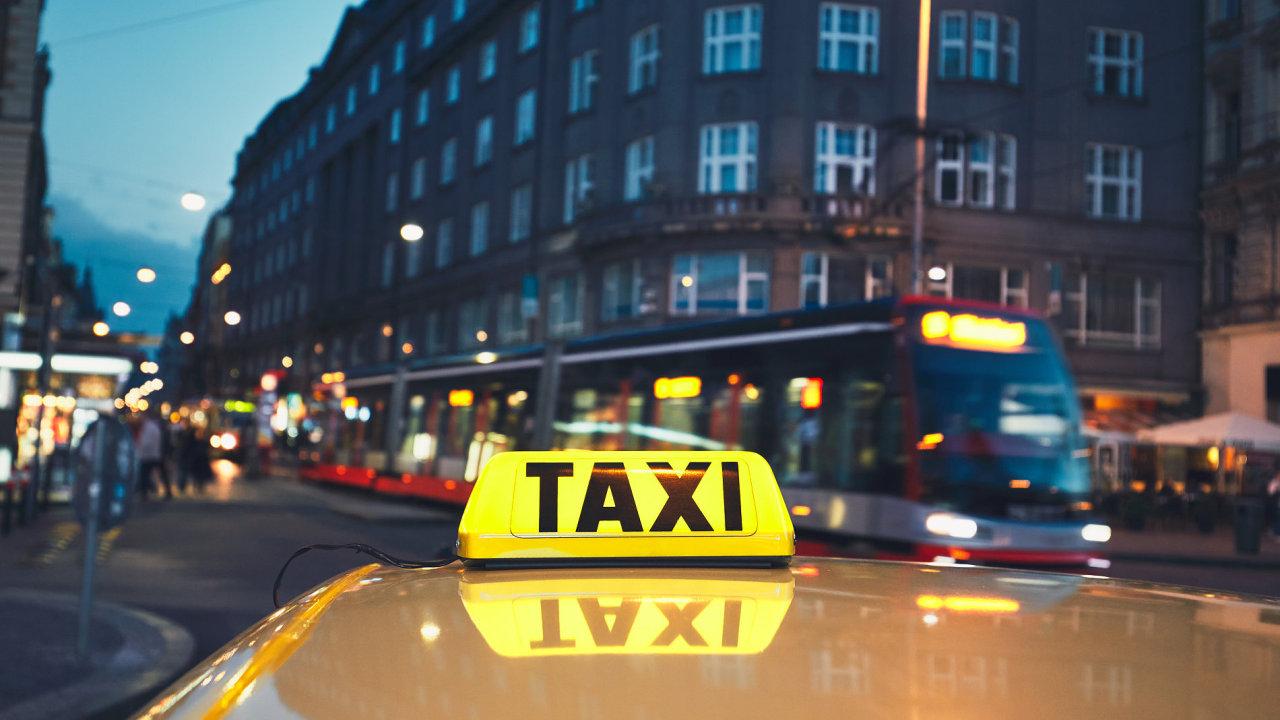 Ilustrační fotografie, taxi, taxikář, taxikáři, doprava, Praha, 2017