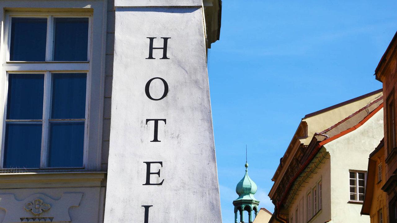 Hotely v centru Prahy bývají zejména v letních měsících beznadějně plné. I proto si jejich majitelé mohou dovolit zvyšování cen - Ilustrační foto.