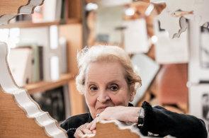 Madeleine Albrightová ve své nové knize: Fašismus je rána, která se už skoro zacelila. Trump ji ale znovu rozdráždil