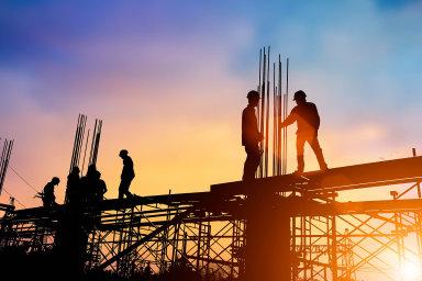 Před pár lety nebyl o dělníky ve stavebnictví skoro zájem, dnes jsou nejvíc nedostatkovou profesí v Česku - Ilustrační foto.