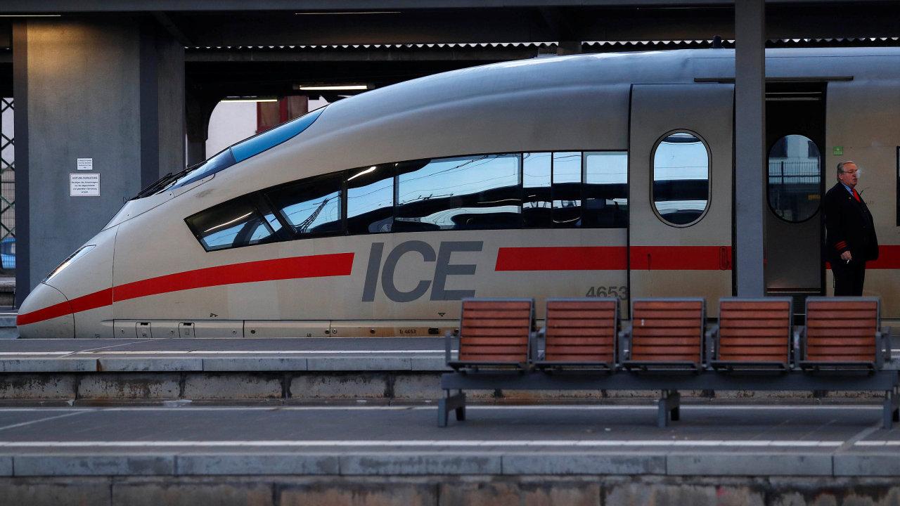 Obvinění plánovali útoky na německé vysokorychlostní vlaky, které se nezdařily díky technickým závadám.