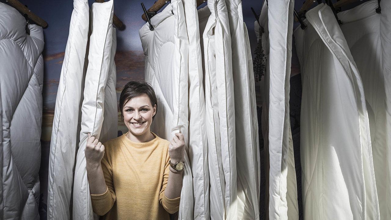 Zuzana Bílková před 10 lety převzala zastaralou výrobu přikrývek zovčí vlny aproměnila ji vmoderní, úspěšný byznys.