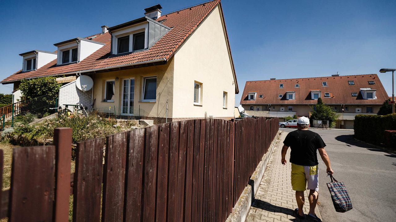 Domy naprodej. Konkurzní správce může zpeněžit domy vHoroměřicích veprospěch věřitelů.
