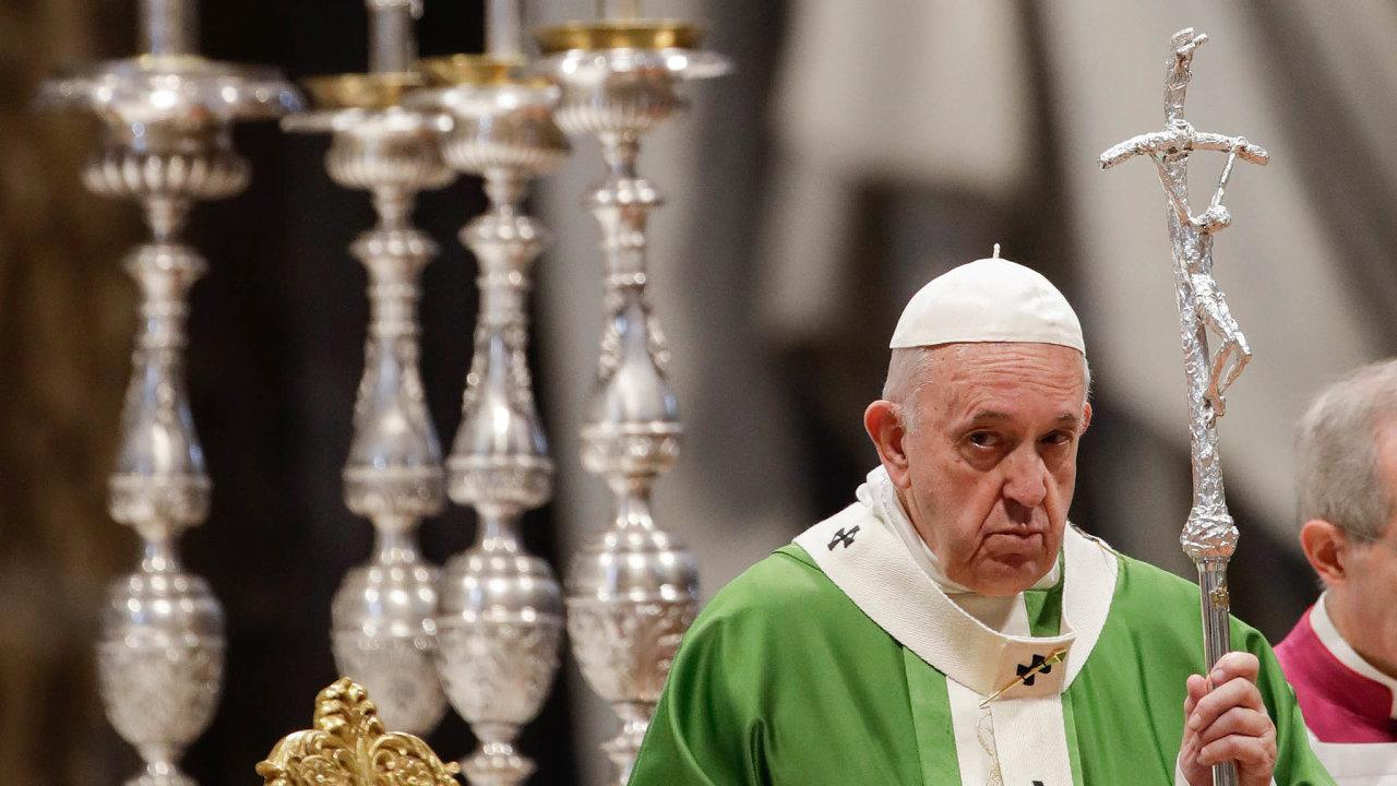 Jedním zcílů Františka při nástupu napapežský stolec vroce 2013 bylo zlepšit pověst vatikánské banky aučinit zní opět instituci hodnou respektu. Zatím se to ale příliš nedaří.