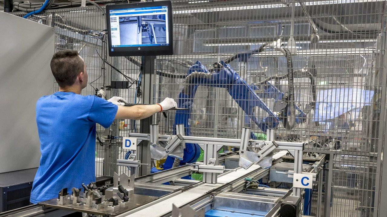 Německá firma Kiekert přesouvá do Česka své technologické centrum.