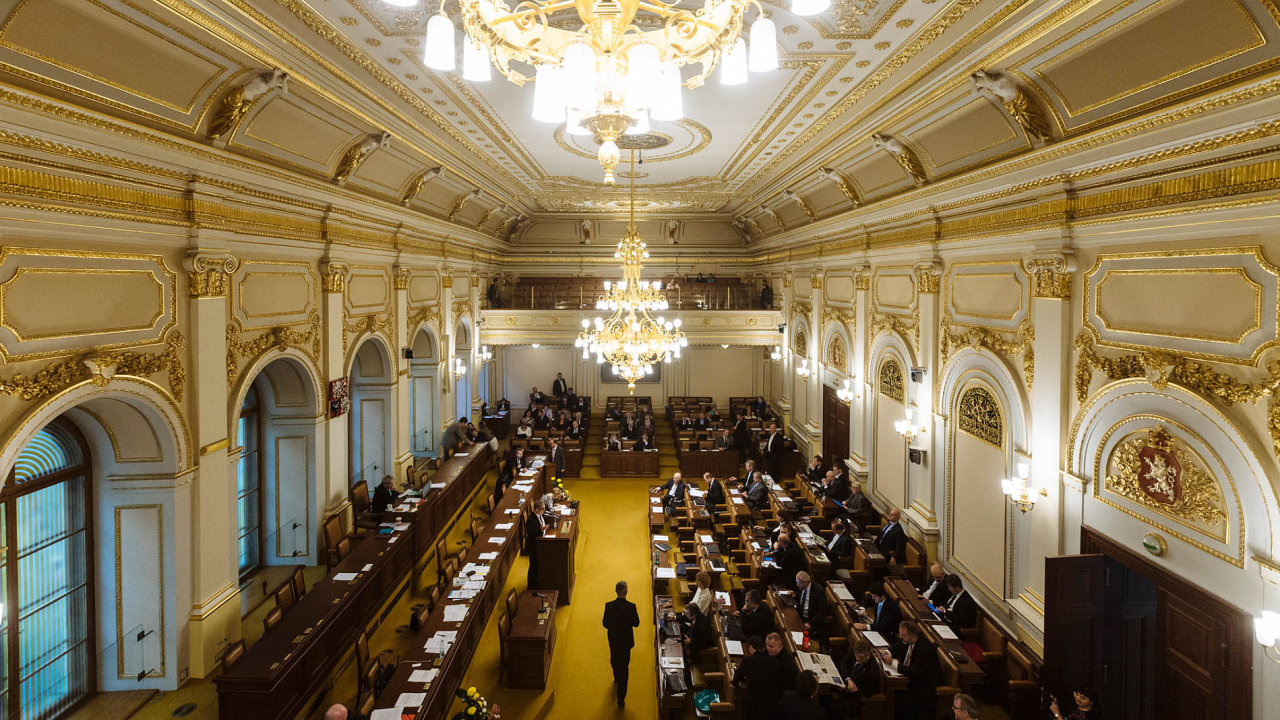 Sněmovna schválila novelu daňového řádu zákona proti praní špinavých peněz.