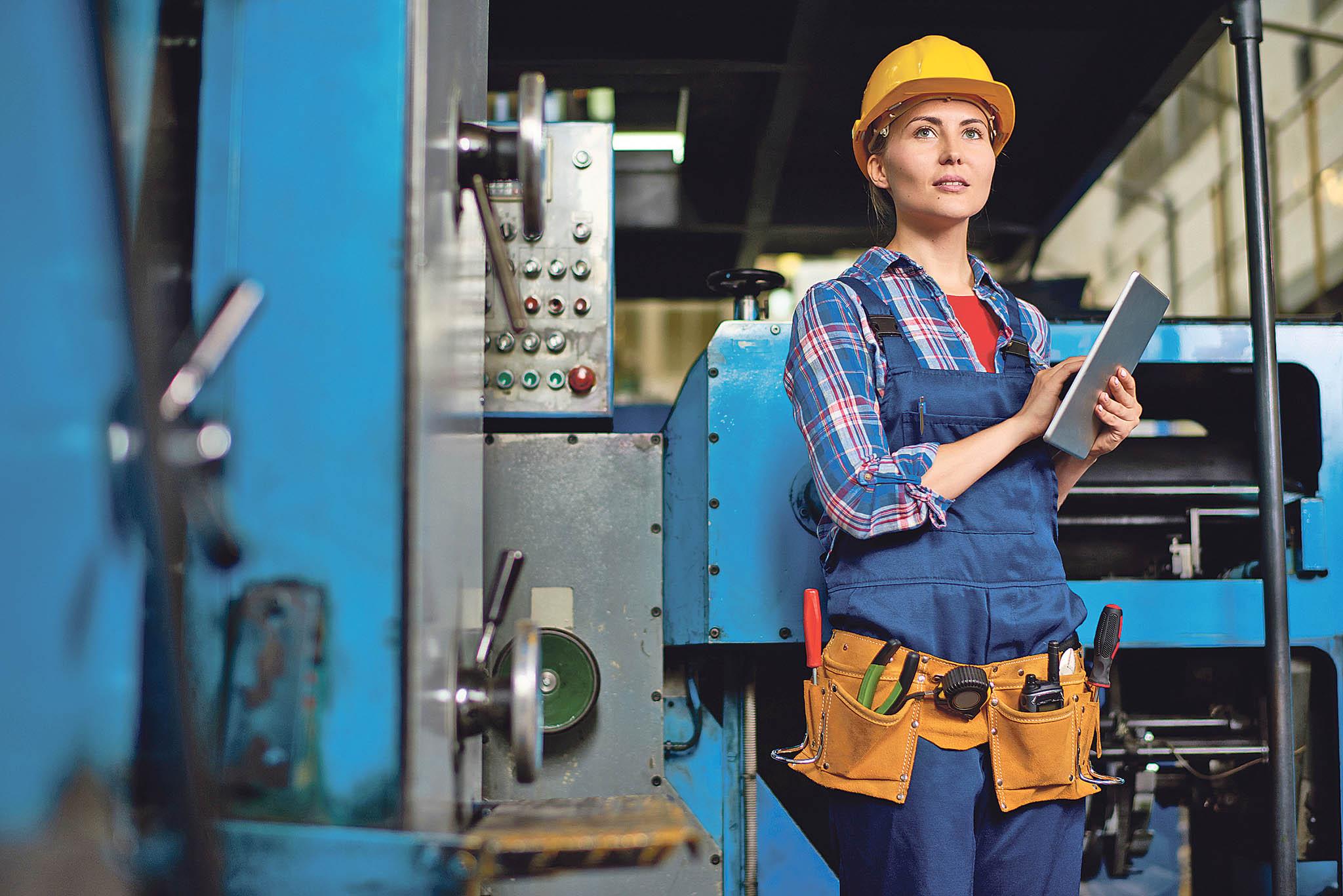 V jaderných elektrárnách Temelín a Dukovany momentálně pracuje 282 žen, což je přibližně 10 procent ze všech zaměstnanců.