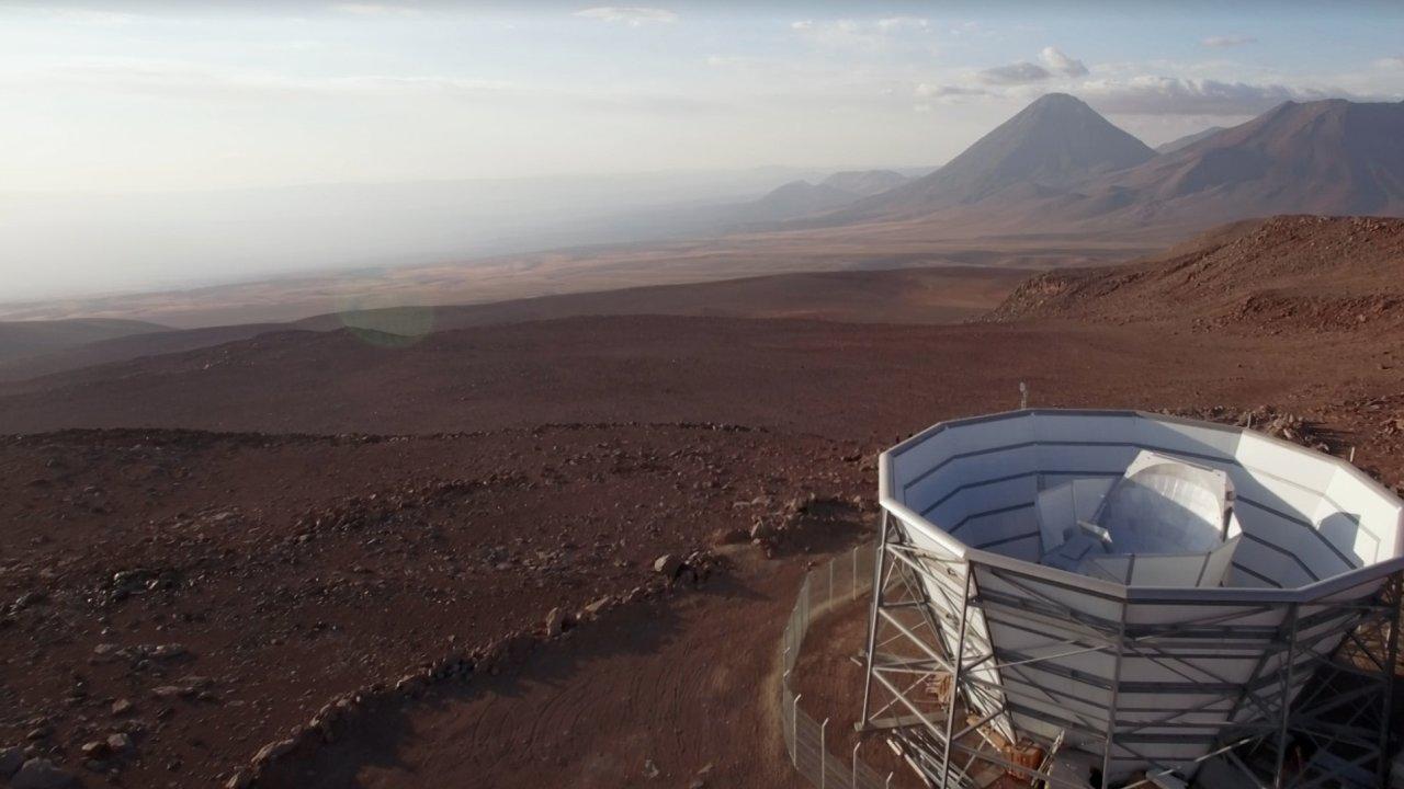 Záběr na observatoř v Atacamě.