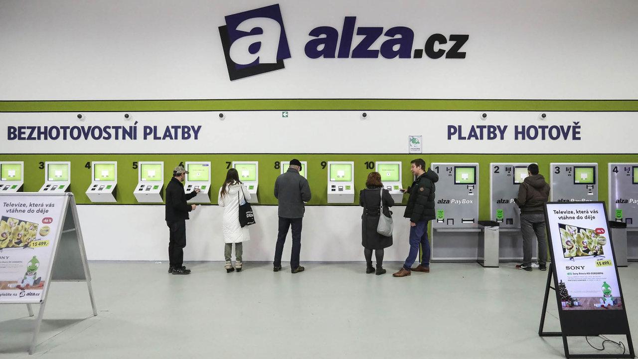 Nyní už spoplatkem. Platba kartou, která je vedená nafirmu nebo podnikatele, se uAlzy prodraží. Zákazník zaplatí scenou objednávky ipoplatek zaplatbu firemní kartou.