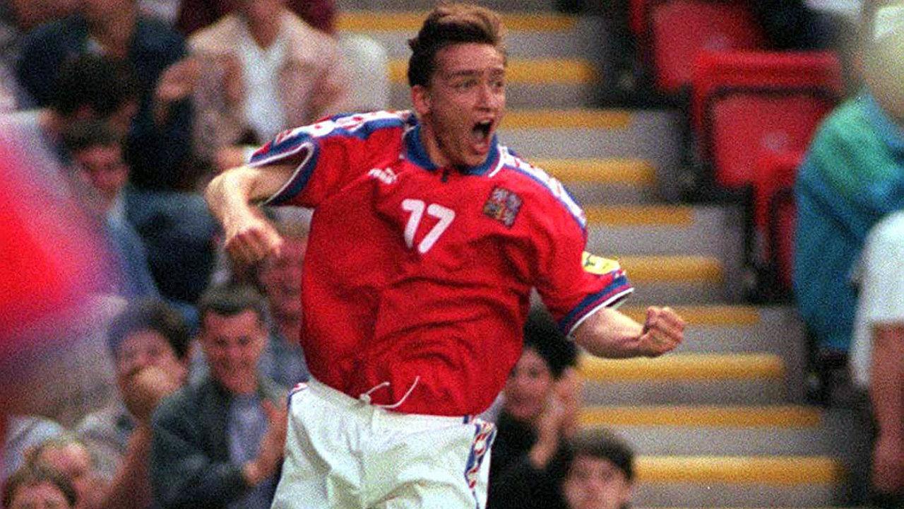 Před 24 lety nasměroval Vladimír Šmicer českou reprezentaci kedruhému místu naEuru vAnglii. Teď chce českému fotbalu pomoci znovu, možná jako jeho šéf.