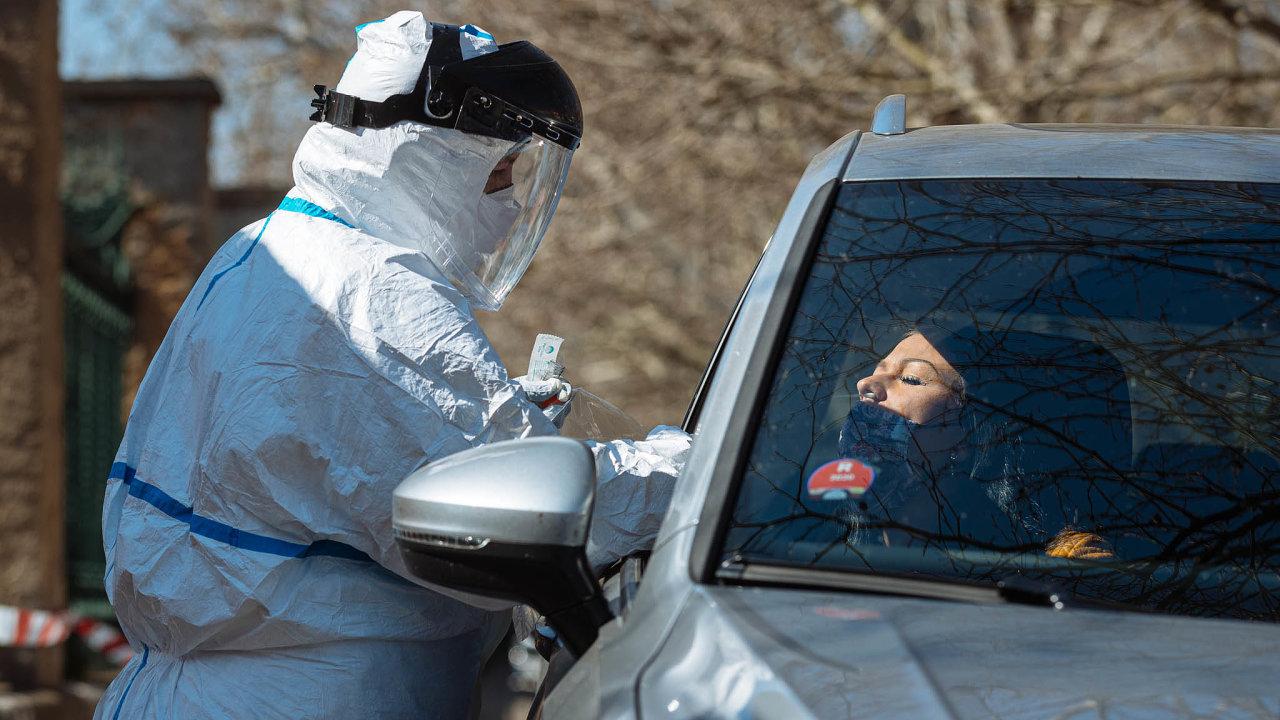 Ministr Jan Blatný (zaANO) uvedl, že antigenních testů by se mohlo do15. ledna provádět až 60 tisíc denně.