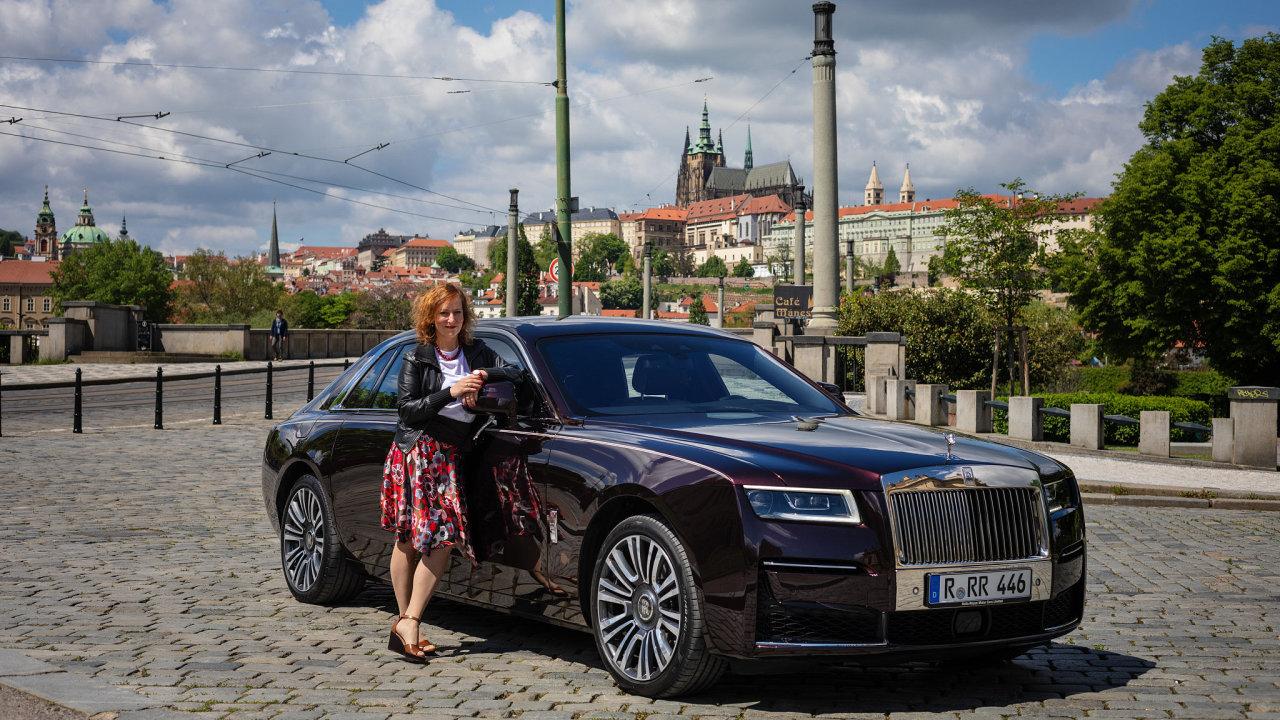 Redaktorka HN Eva Srpová otestovala Rolls-Royce Ghost.