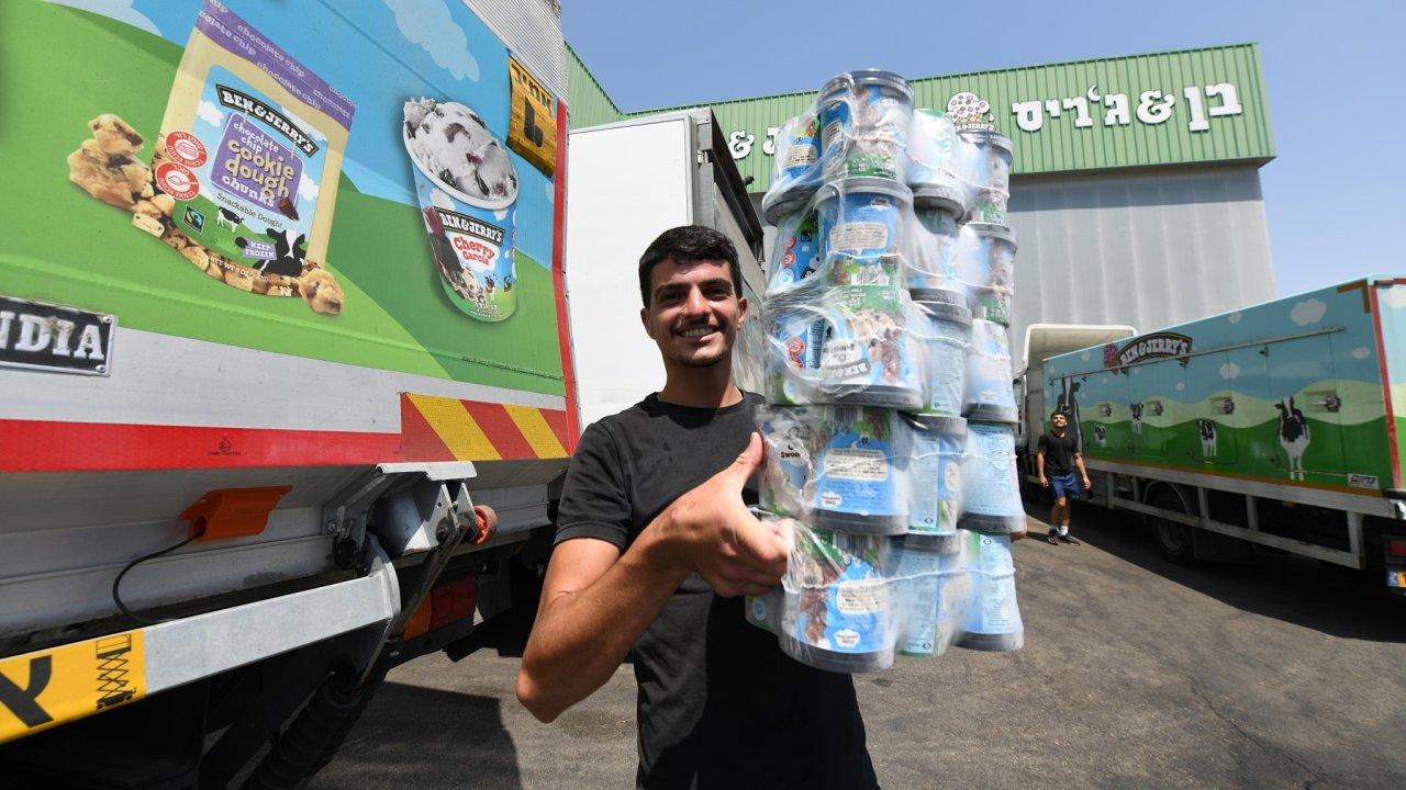 """Podle firmy Ben & Jerry's je prodej zmrzlin naZápadním břehu Jordánu avevýchodním Jeruzalémě """"vrozporu sjejími hodnotami""""."""