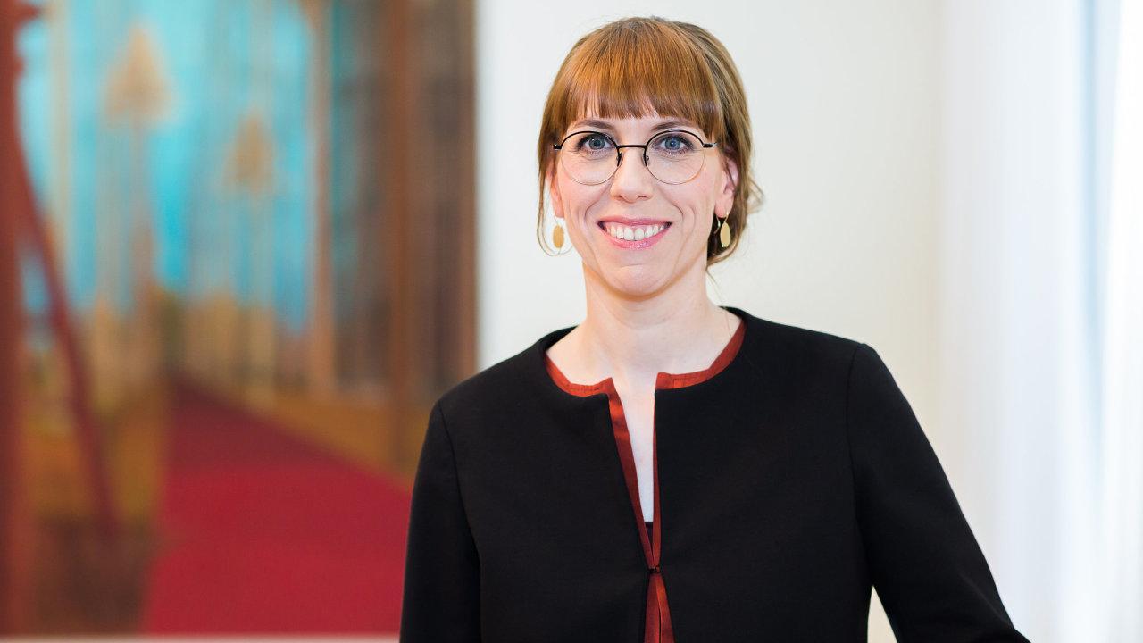K dění v Maďarsku a Polsku nemůžeme mlčet, tvrdí saská ministryně pro Evropu Katja Meierová.