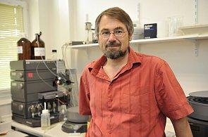 Vědec Vladimír Křen z Mikrobiologického ústavu AV