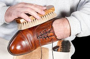 Jak během jediného dne vylepšit svůj šatník? Začněte botami a nebojte se žehličky