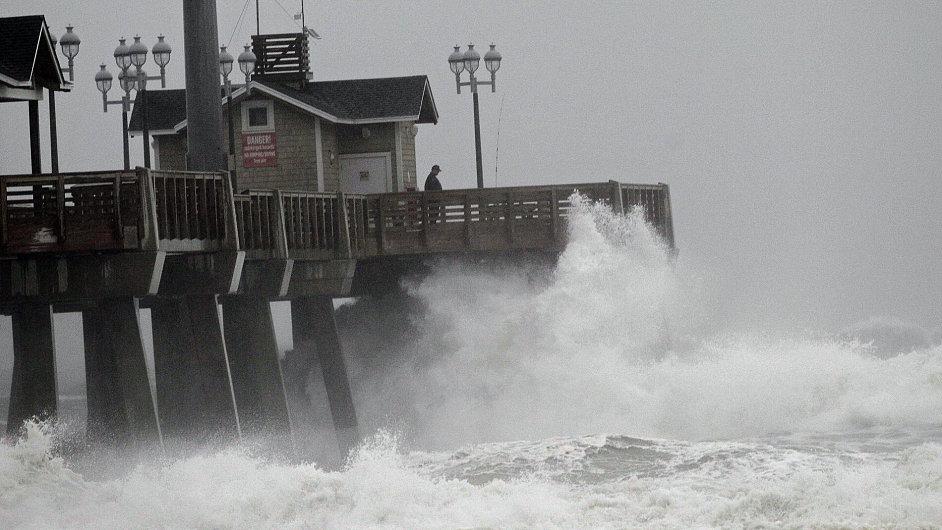 Hurikán Sandy ve městě Nags Head v Severní Karolíně