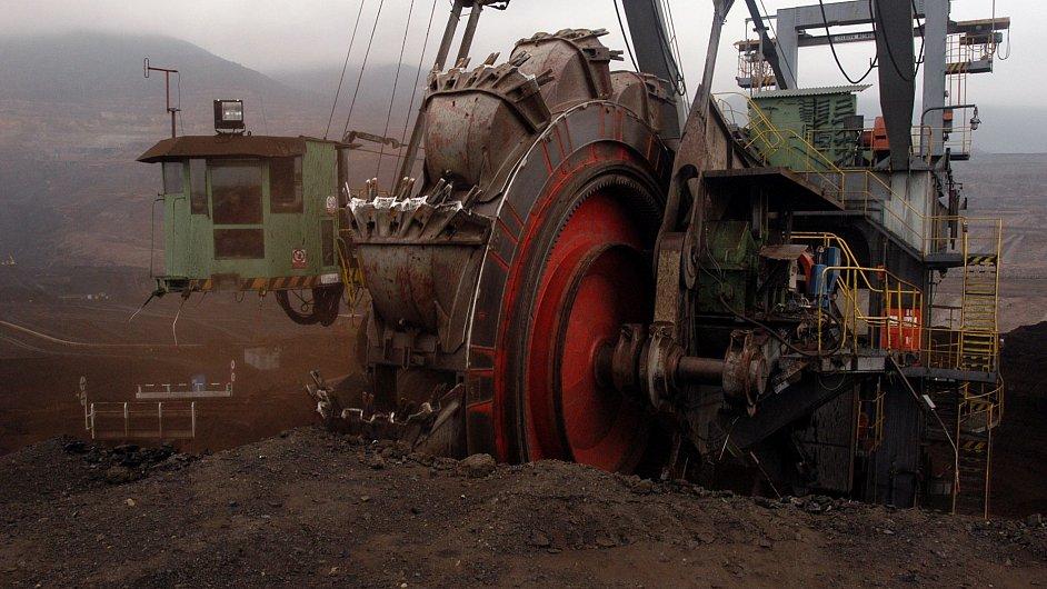 Povrchová těžba uhlí, ilustrační foto
