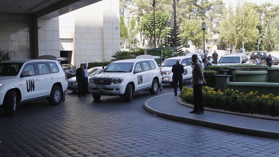 Tým inspektorů OSN po příjezdu do Damašku