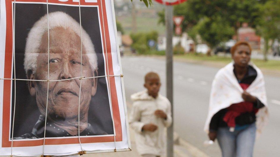 Svět truchlí po zemřelém Nelsonu Mandelovi.